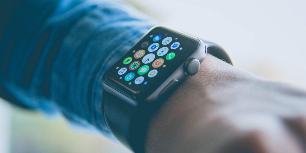 Cum să măriți dimensiunea textului pe Apple Watch