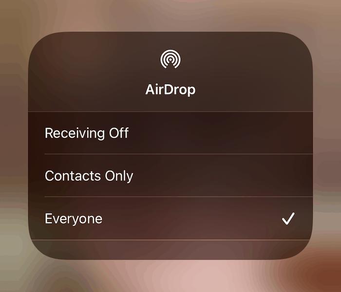 Choisir l'option Tout le monde sur iOS.