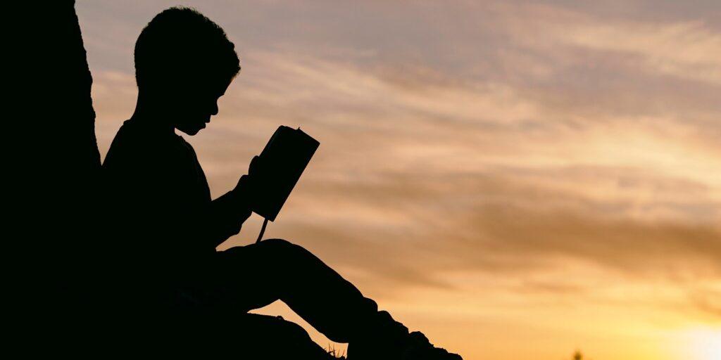 La nouvelle compétence Alexa, compagnon de lecture, aide les enfants à apprendre à lire